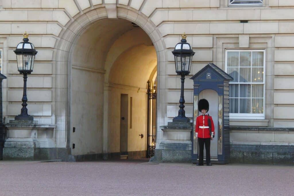 stationary guard